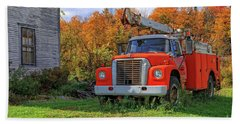 Old Fire Truck In Vermont Bath Towel