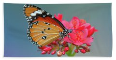 Plain Tiger Or African Monarch Butterfly Dthn0246 Bath Towel