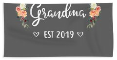 Promoted To Grandma Est 2019 Mothers Day New Grandma T-shirt Hand Towel