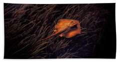 Ray In The Grass Flats Hand Towel