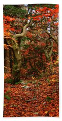 Bath Towel featuring the photograph Red Oaks And At Blaze Vertical by Raymond Salani III