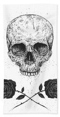 Skull N' Roses Bath Towel