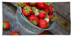 Strawberries And Daisies Bath Towel