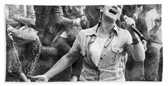 Street Singer In Florence Bath Towel