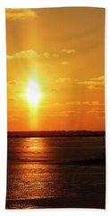 Hand Towel featuring the photograph Sun Pillar 01 by Rob Graham