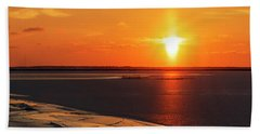 Hand Towel featuring the photograph Sun Pillar 02 by Rob Graham