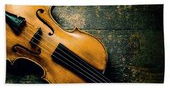 Violin On Textured Background Bath Towel