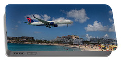 Delta Air Lines Landing At St Maarten Portable Battery Charger