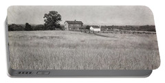 Henry House At Manassas Battlefield Park Black And White Portable Battery Charger
