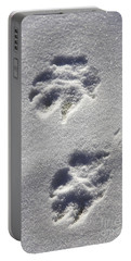 Arctic Wolf Tracks Portable Battery Charger
