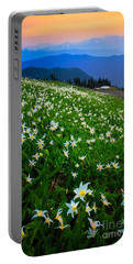 Avalanche Lily Field Portable Battery Charger