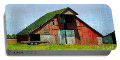 Barn - Central Illinois - Luther Fine Art Portable Battery Charger