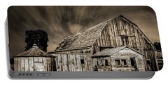 Barn On Hwy 66 Portable Battery Charger