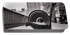 Bench's Circles And Brooklyn Bridge - Brooklyn Heights Promenade - New York City Portable Battery Charger