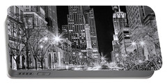Chicago Michigan Avenue Light Streak Black And White Portable Battery Charger