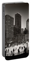 Chicago Park Skate Bw Portable Battery Charger