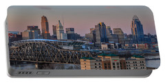 D9u-876 Cincinnati Ohio Skyline Photo Portable Battery Charger