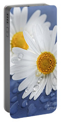 Daisy Flowers With Water Drops Portable Battery Charger