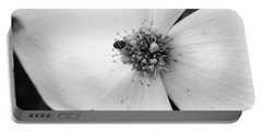 Dogwood Black And White 2 Portable Battery Charger