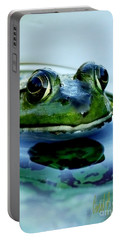 Green Frog I Only Have Eyes For You Portable Battery Charger