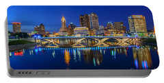 Fx2l530 Columbus Ohio Night Skyline Photo Portable Battery Charger