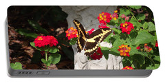Giant Swallowtail On Lantana Portable Battery Charger