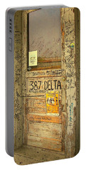 Graffiti Door - Ground Zero Blues Club Ms Delta Portable Battery Charger