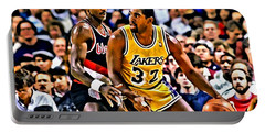 Magic Johnson Vs Clyde Drexler Portable Battery Charger