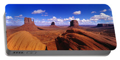 Monument Valley, Arizona, Usa Portable Battery Charger