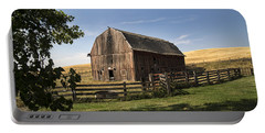 Old Barn On The Palouse Portable Battery Charger