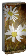 Ox Eye Dasies Portable Battery Charger