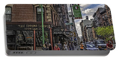 Spring And Mulberry - Street Scene - Nyc Portable Battery Charger