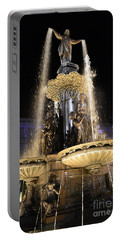 Fx9u-1250 Tyler Davidson Fountain Photo Portable Battery Charger