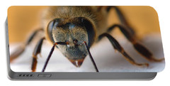 Bee In Macro 4 Portable Battery Charger
