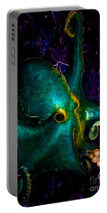 Creatures Of The Deep - The Octopus - Electric - Cyan Portable Battery Charger
