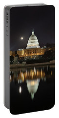 Digital Liquid - Full Moon At The Us Capitol Portable Battery Charger