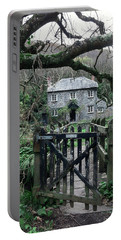 Stone Cottage Portable Battery Charger