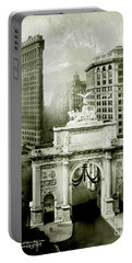 1919 Flatiron Building With The Victory Arch Portable Battery Charger