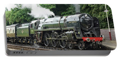 70013 Oliver Cromwell At Leicester Portable Battery Charger