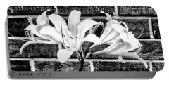 Amaryllis Inspiration Portable Battery Charger