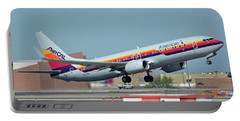 American Boeing 737-823 N917nn Aircal Heritage Phoenix Sky Harbor October 14 2017 Portable Battery Charger