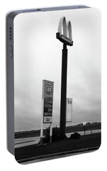 Portable Battery Charger featuring the photograph American Interstate - Illinois I-55 by Frank Romeo
