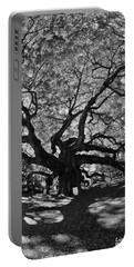 Angel Oak Johns Island Black And White Portable Battery Charger