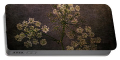 Portable Battery Charger featuring the photograph Anthriscus Sylvestris by Randi Grace Nilsberg