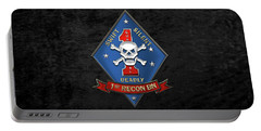 U S M C  1st Reconnaissance Battalion -  1st Recon Bn Insignia Over Black Velvet Portable Battery Charger