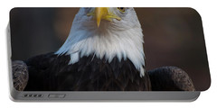 Bald Eagle Looking Right Portable Battery Charger