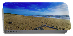 Beach With Wood Trunk - Spiaggia Con Tronco I Portable Battery Charger