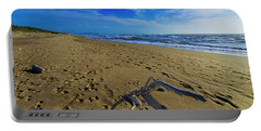 Beach With Wood Trunk - Spiaggia Con Tronco II Portable Battery Charger