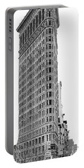 Black Flatiron Building II Portable Battery Charger