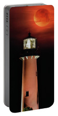Blood Moon Rising Over Jupiter Lighthouse In Florida Portable Battery Charger